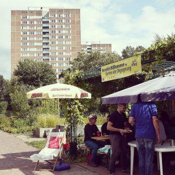 #diyditarchitecturesummerschool #btkfh #dieweltbrauchtdeineideen day 3 #berlinrealitytcheck on bike east #berlin #gartenderbegegnung #berlindiydit15 @id22berlin #isssresearch